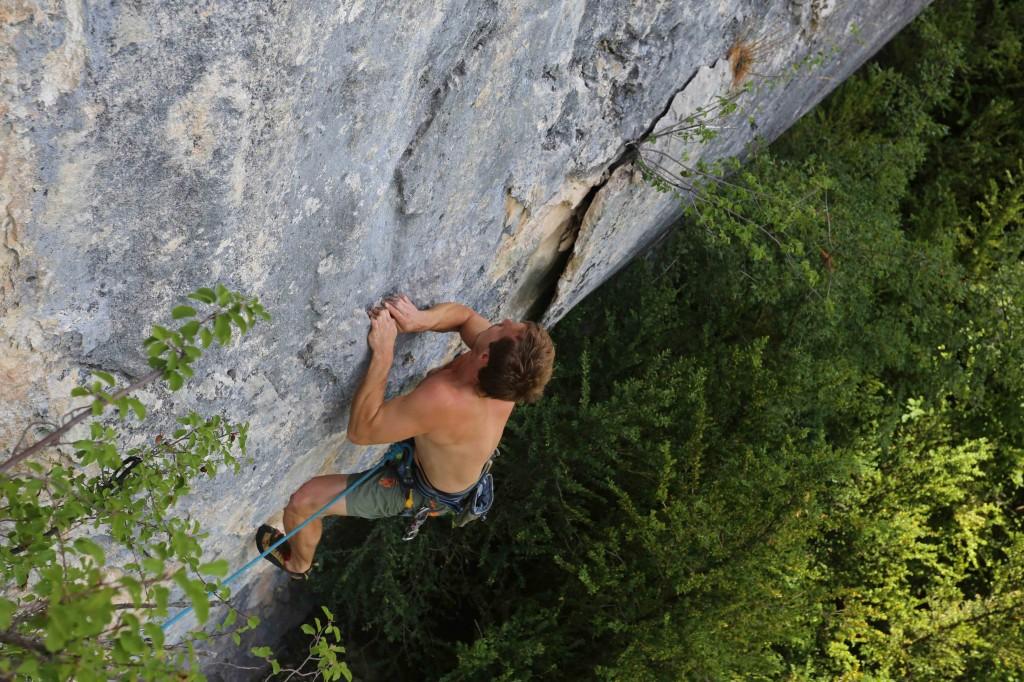 Johnny, mon grimpeur étoile: affuté des bras mais pas des pieds...