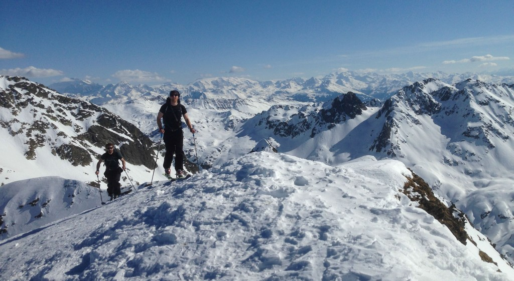 Jpeg et Mathieu arrivent prestement au sommet du Dard.