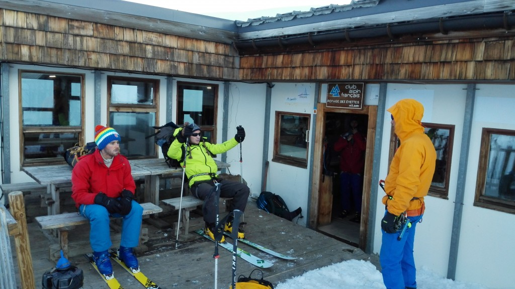 Dorian nous donne un petit cours de ski... impressionnant.